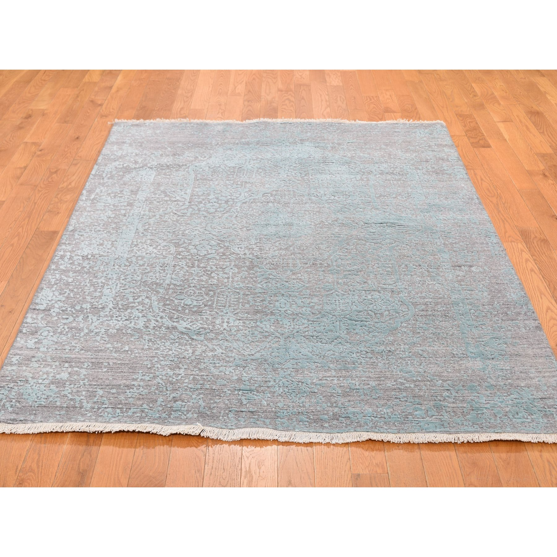 "4'10""x7'1"" Wool and Silk Hand Knotted Broken Persian Design Oriental Rug"