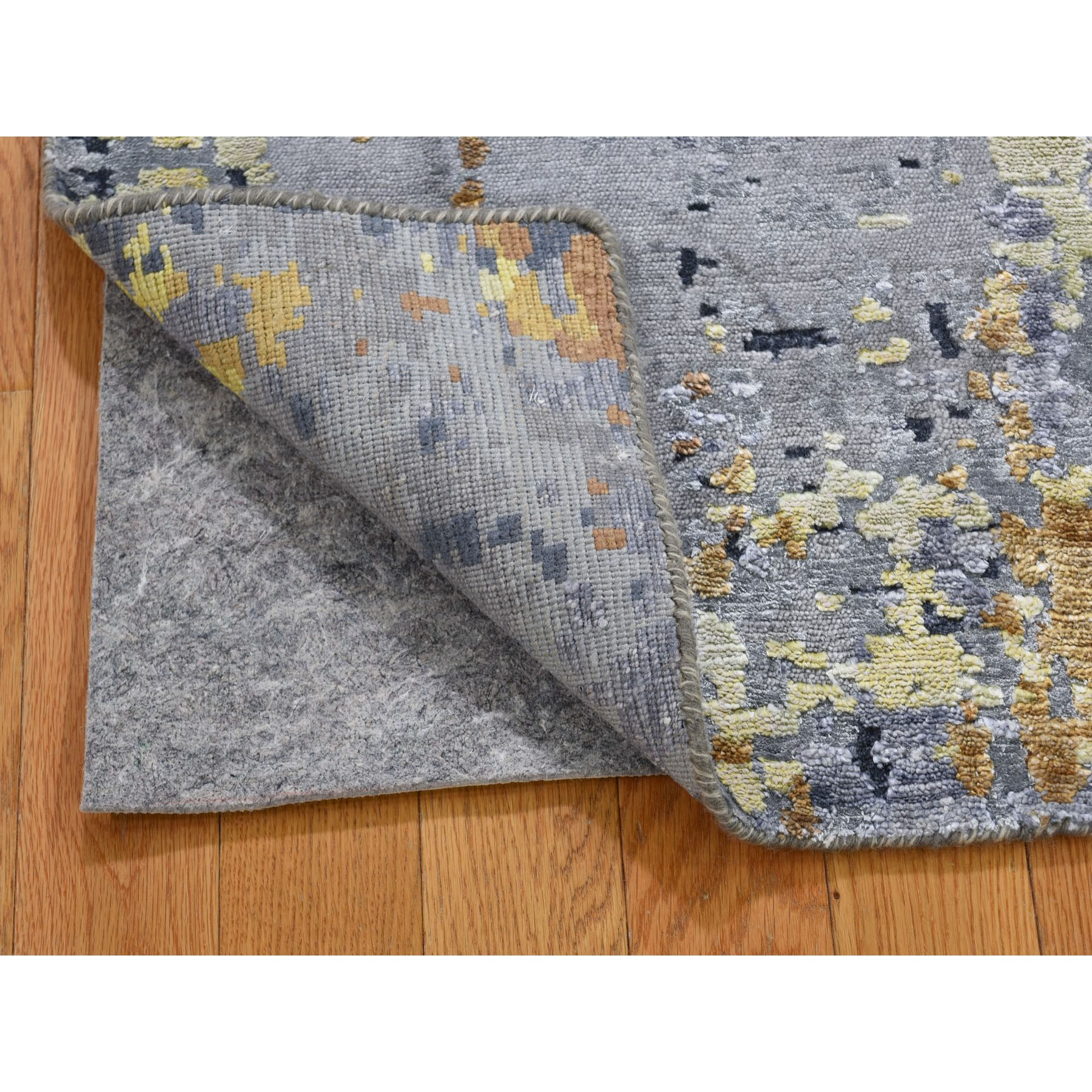 2'x3' Gray Abstract Design Wool and Silk Hi-Low Pile Hand Knotted Oriental Rug