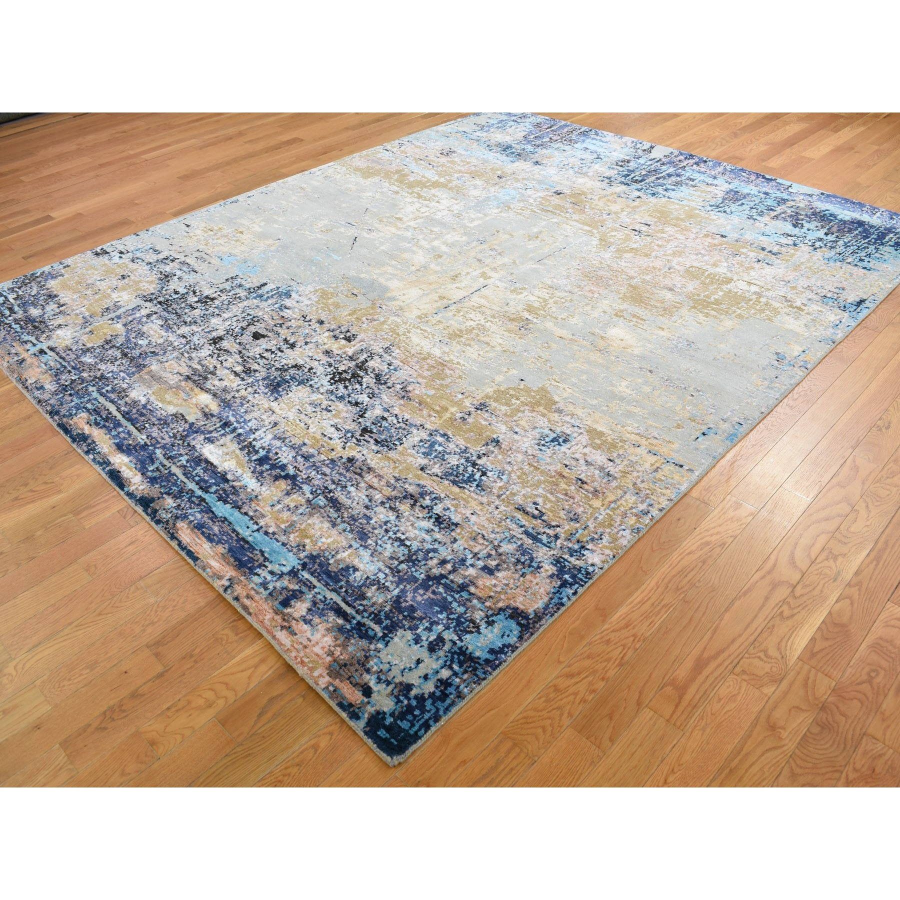 8-1 x10- Wool and Silk Abstract Design Hand Knotted Oriental Rug