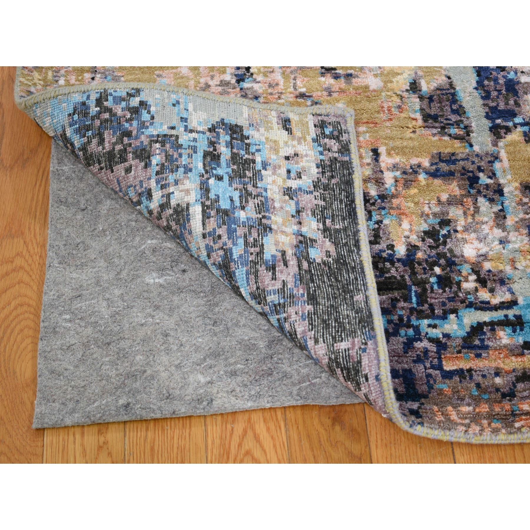 "8'1""x10' Wool and Silk Abstract Design Hand Knotted Oriental Rug"