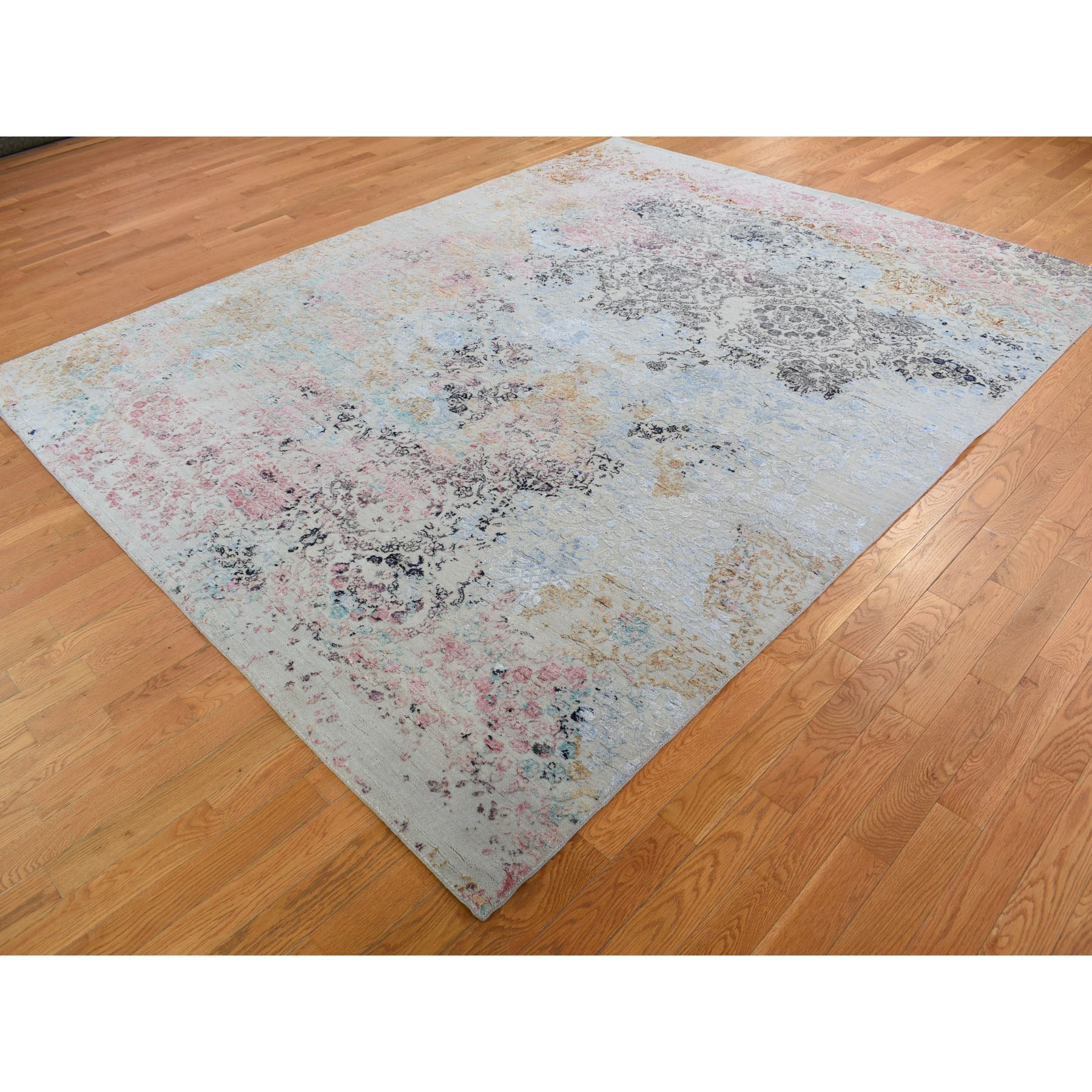 8'x10' Transitional Agra With Pop Of Color Wool And Silk Hand Knotted Oriental Rug
