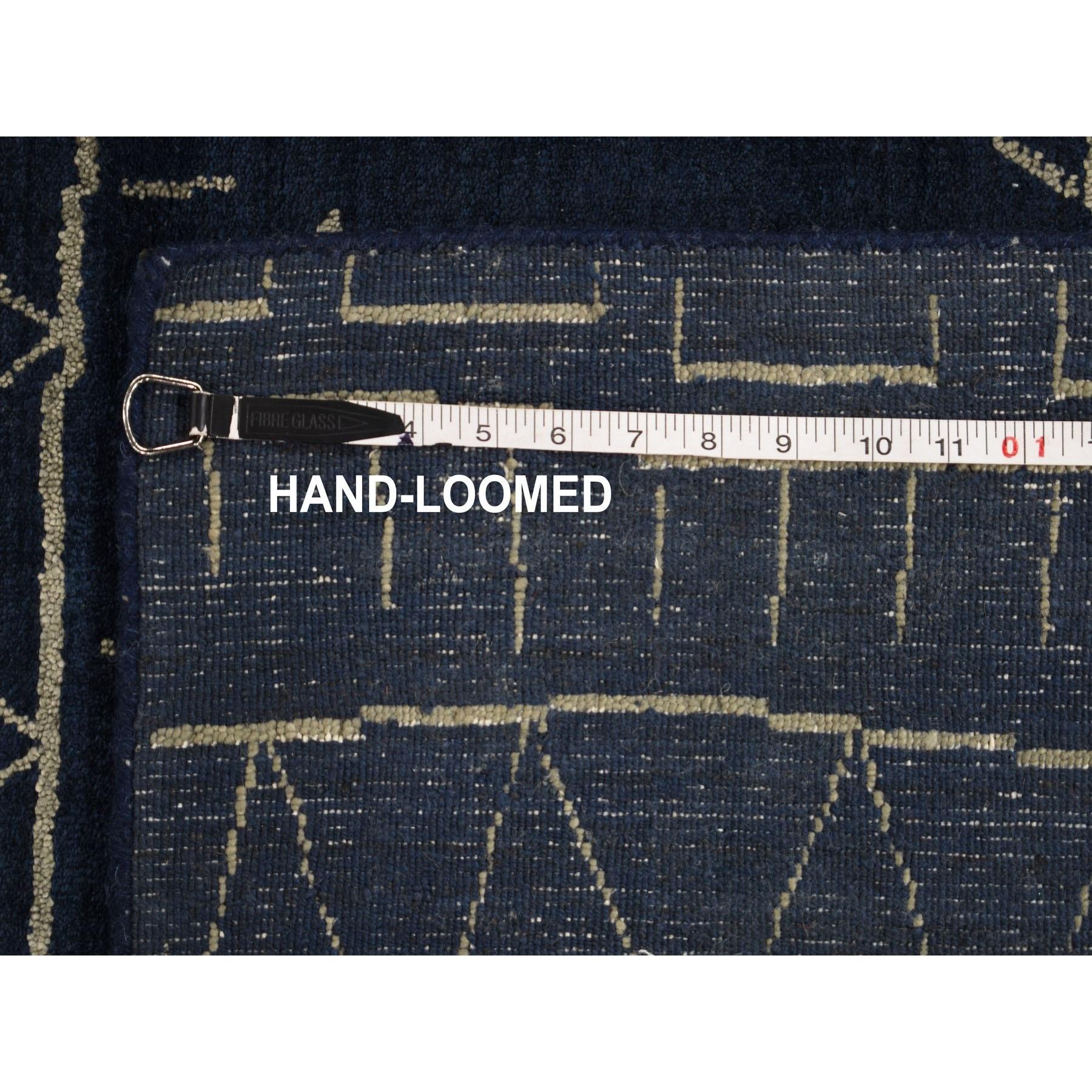 "9'1""x11'10"" Navy Blue Wool And Silk Modern Hand loomed Oriental Rug"