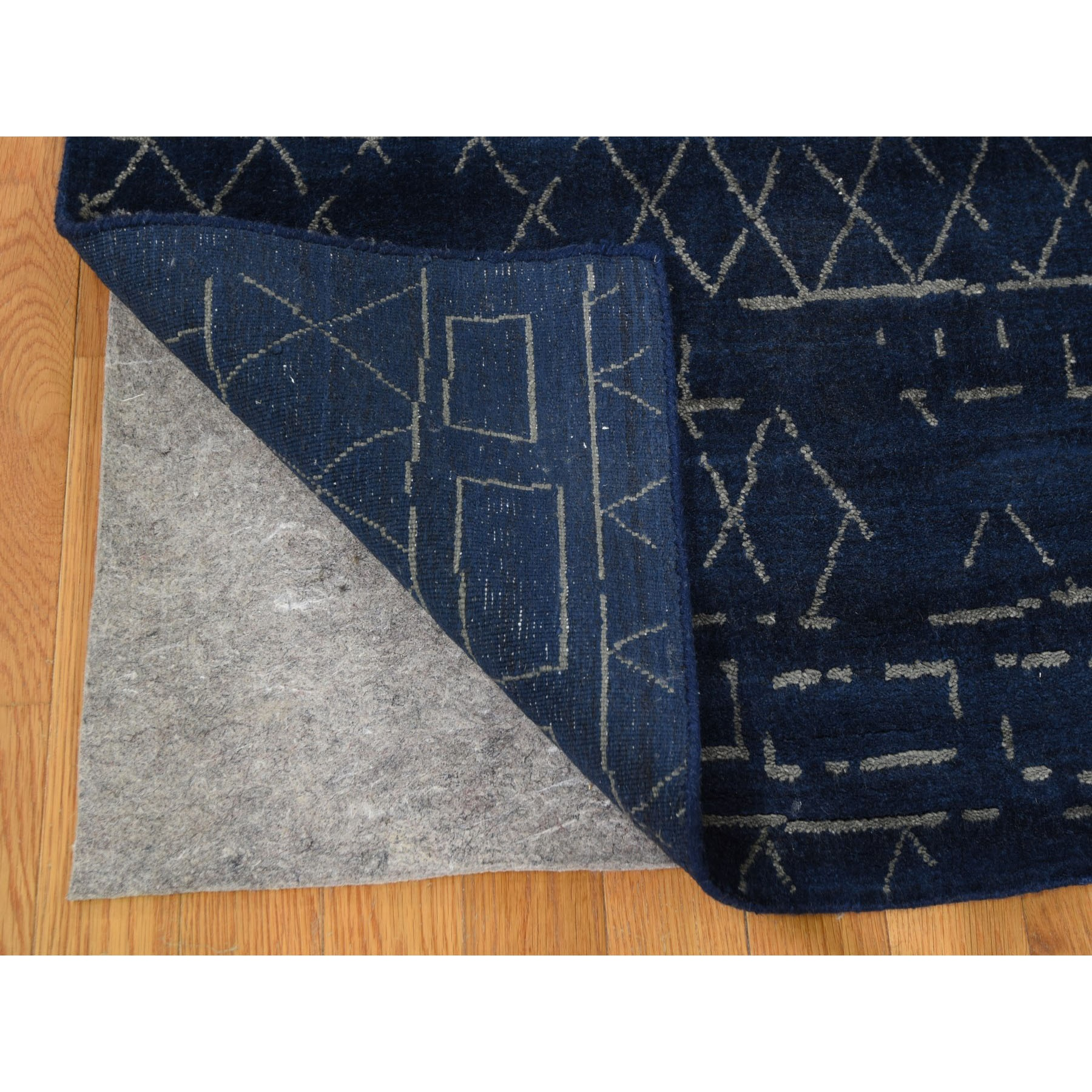 "8'x9'10"" Navy Blue Wool And Silk Modern Hand Loomed Oriental Rug"