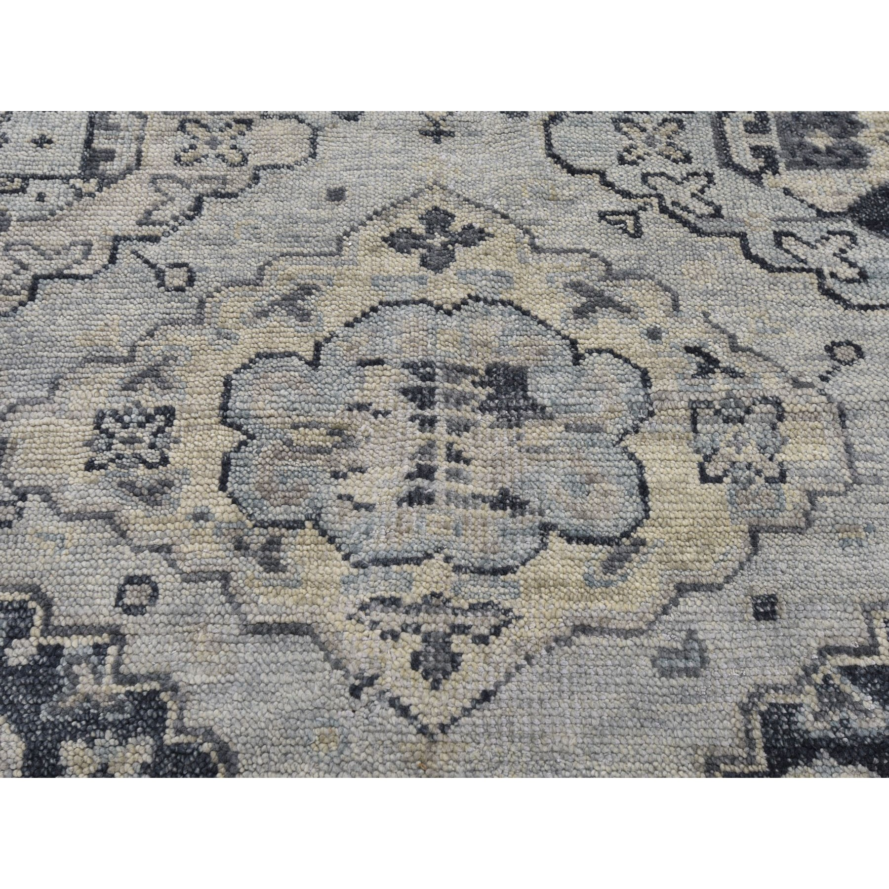 "7'10""x10' Gray Supple Collection Oushak Design Hand Knotted Oriental Rug"
