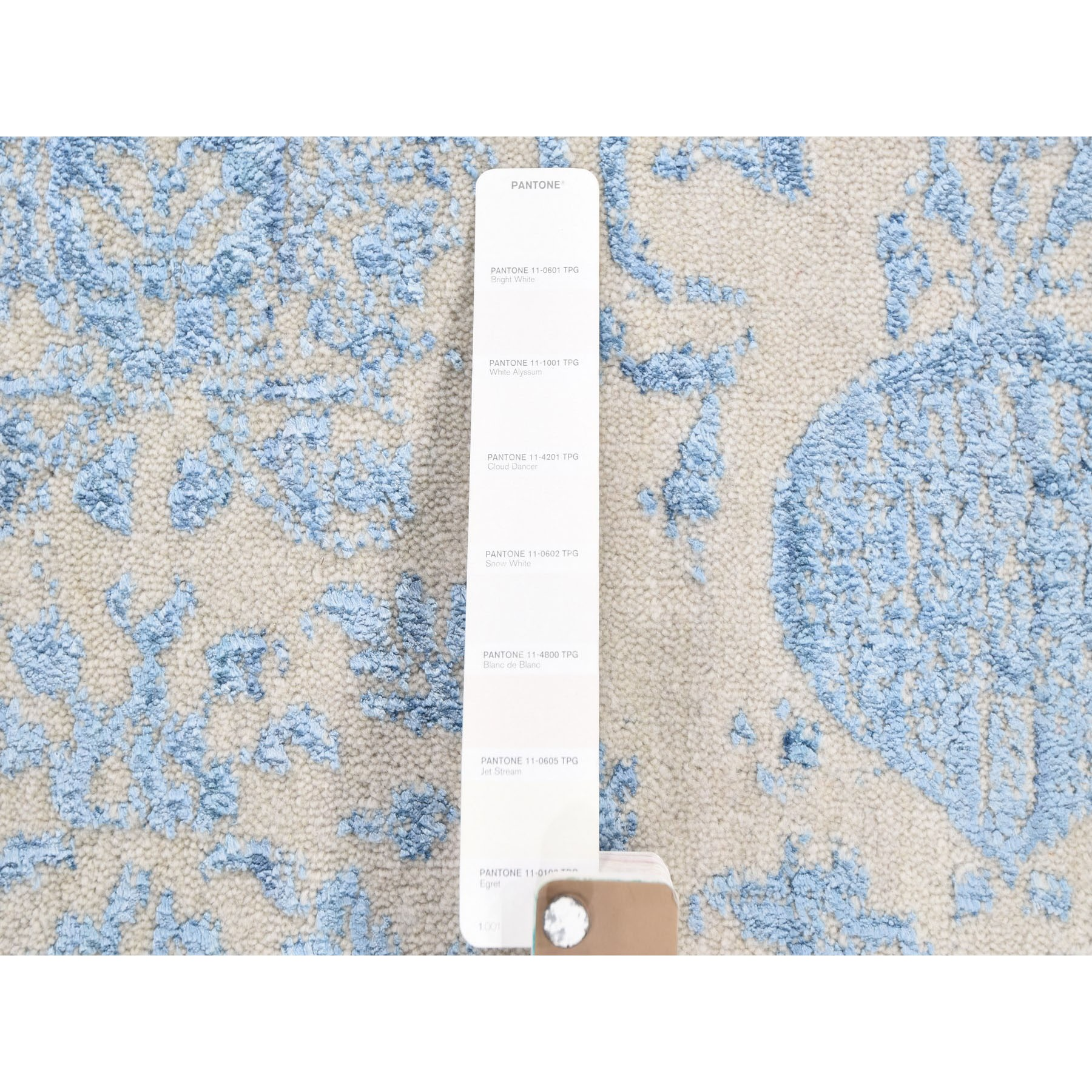 "7'10""x9'9"" Hand Loomed Broken Mughal Design Tone on Tone Oriental Rug"