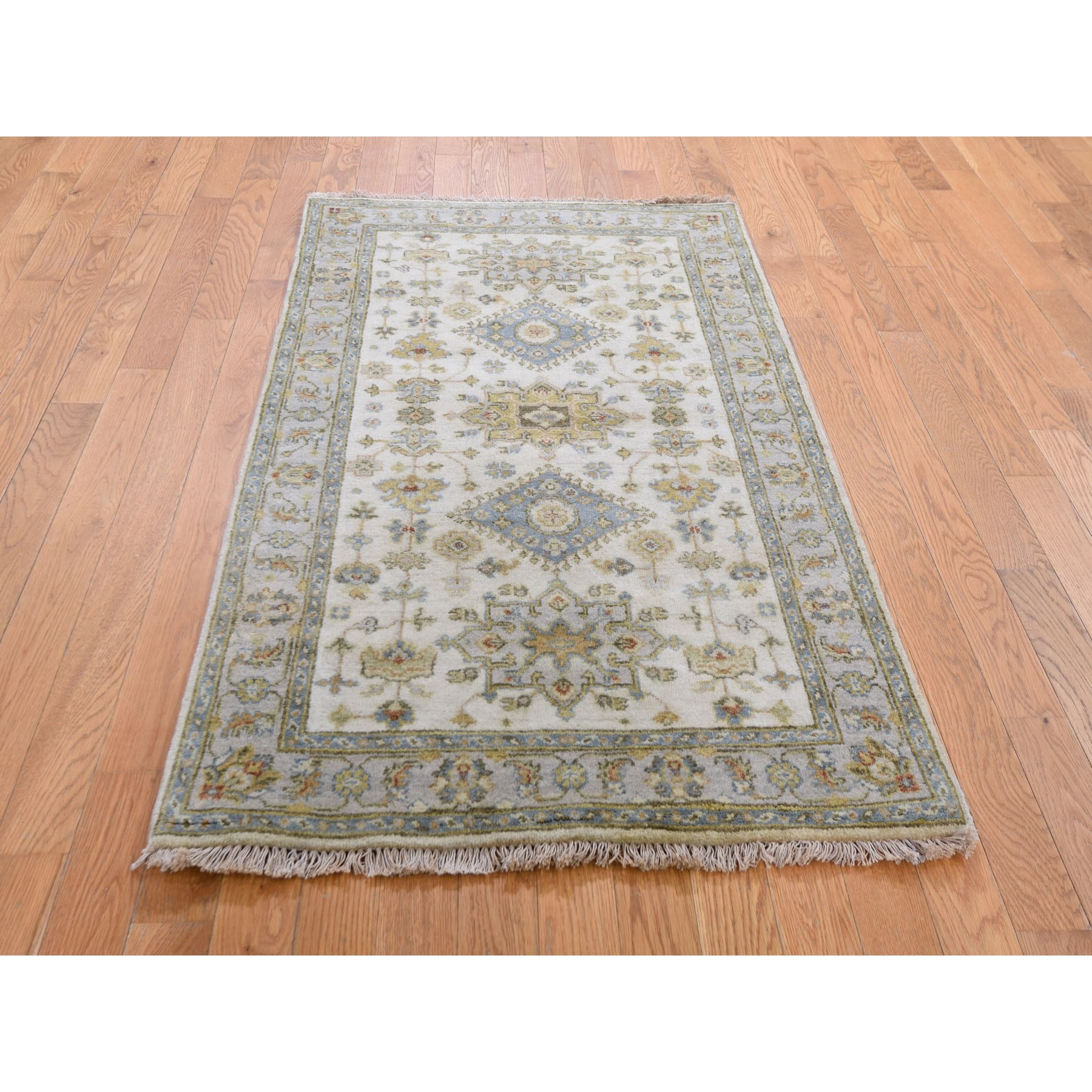 """3'x5'1"""" Ivory Karajeh Design Pure Wool Hand Knotted Oriental Rug"""