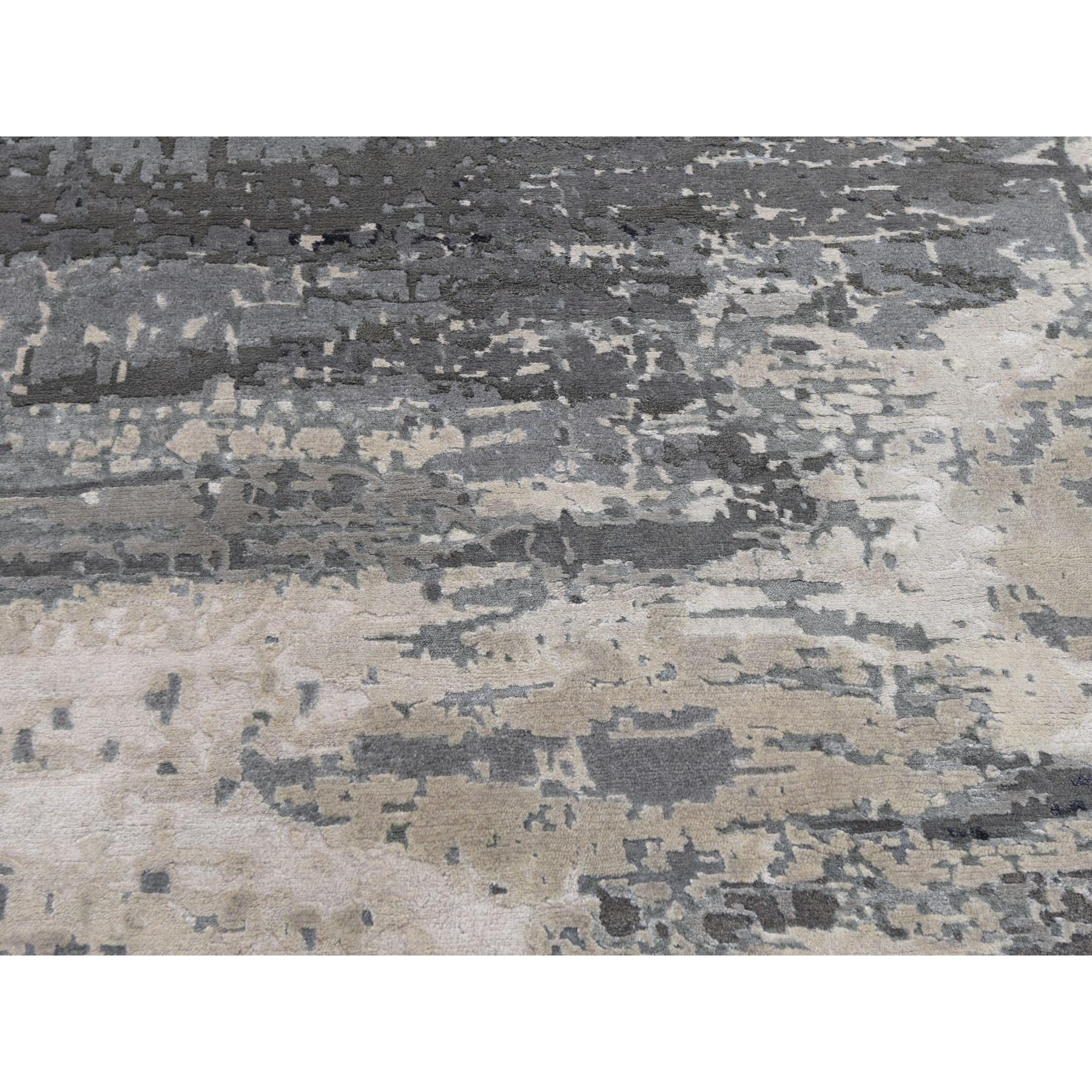 """6'1""""x9'1"""" Gray Abstract Design Wool & Silk Hi-Lo Pile Hand Knotted Oriental Rug"""
