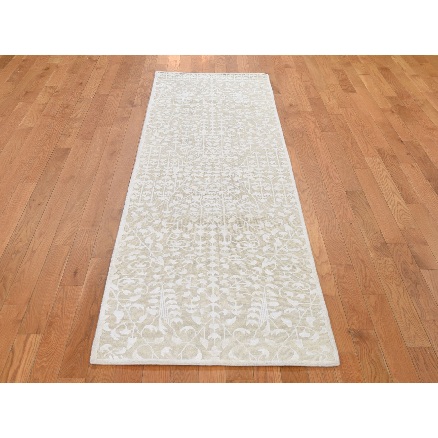 "2'6""x8'3"" Hand knotted Tone on Tone Pure Silk with Textured Wool Runner Oriental Rug"