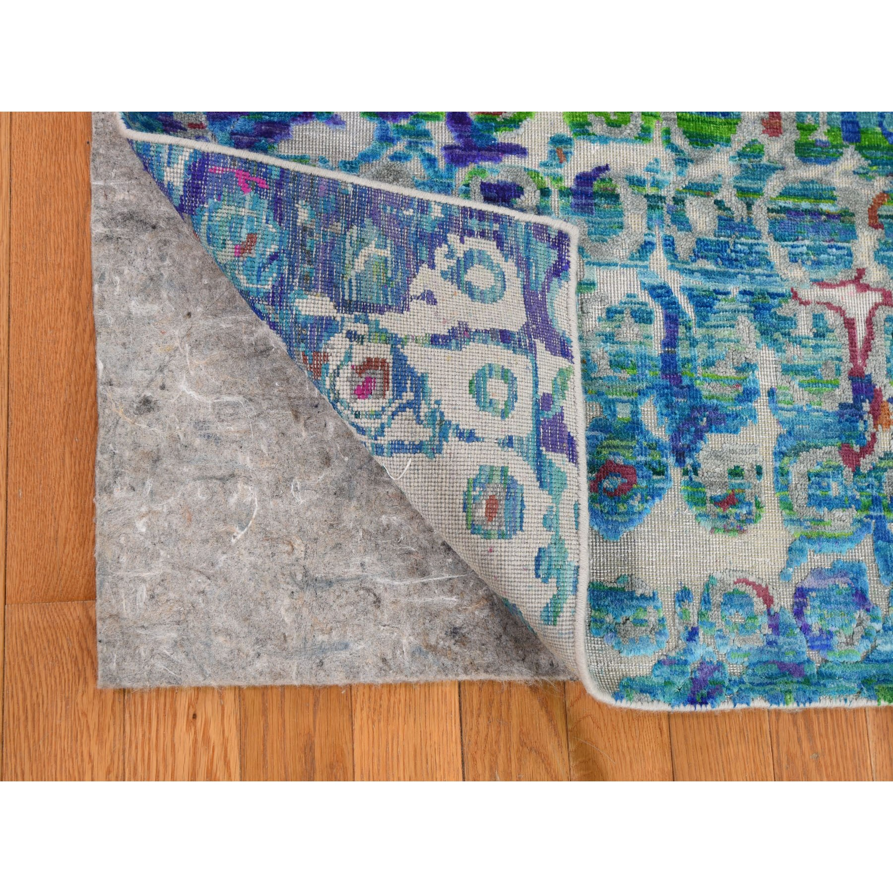 "5'1""x7' THE PEACOCK, Sari Silk Colorful Hand Knotted Oriental Rug"