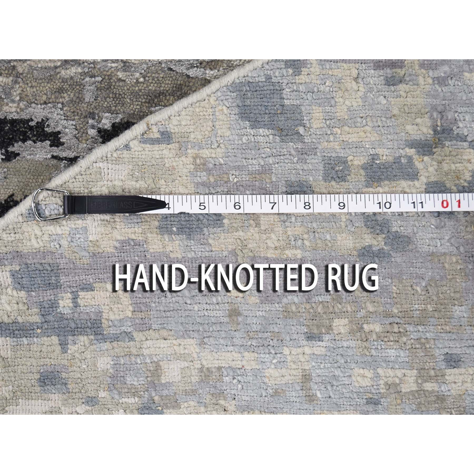 """9'10""""x9'10"""" Gray Hi low Pile Abstract Design Round Wool And Silk Hand Knotted Oriental Rug"""
