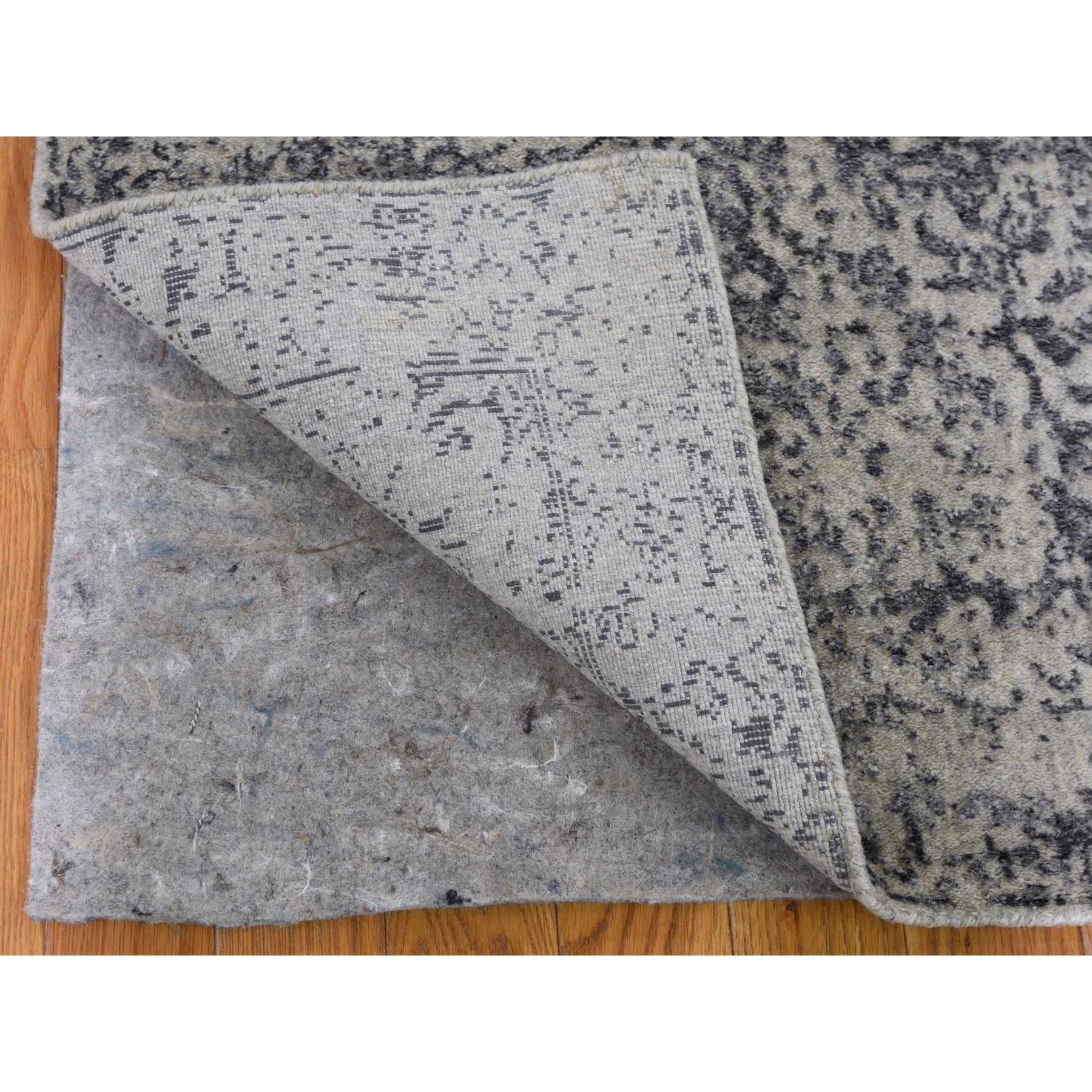 2-5 x10-1  Fine jacquard Hand Loomed Erased Design Wool And Silk Runner Oriental Rug