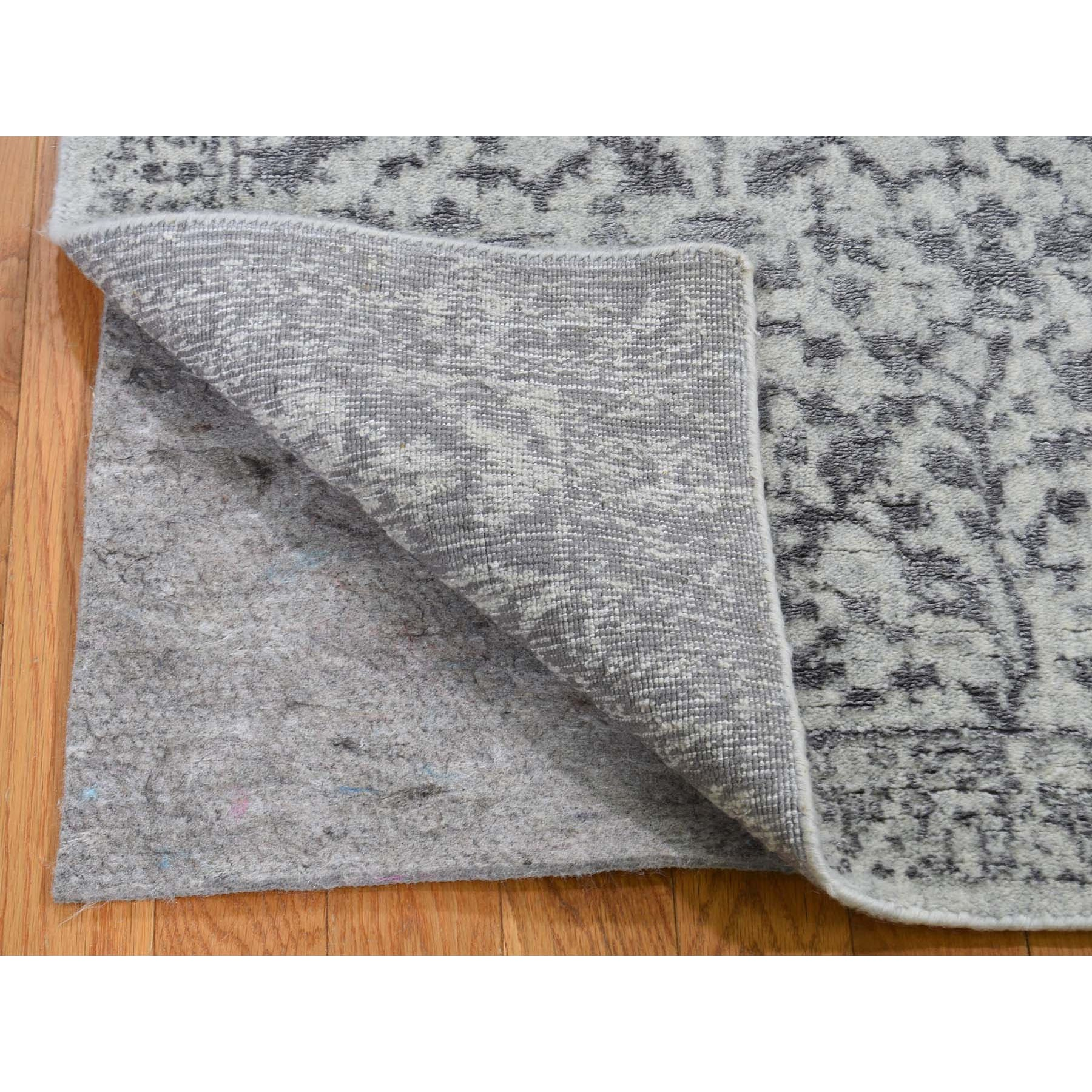 "2'5""x10'  Jacquard Hand-Loomed Gray Broken Cypress Tree Design Silken Thick And Plush Runner Oriental Rug"