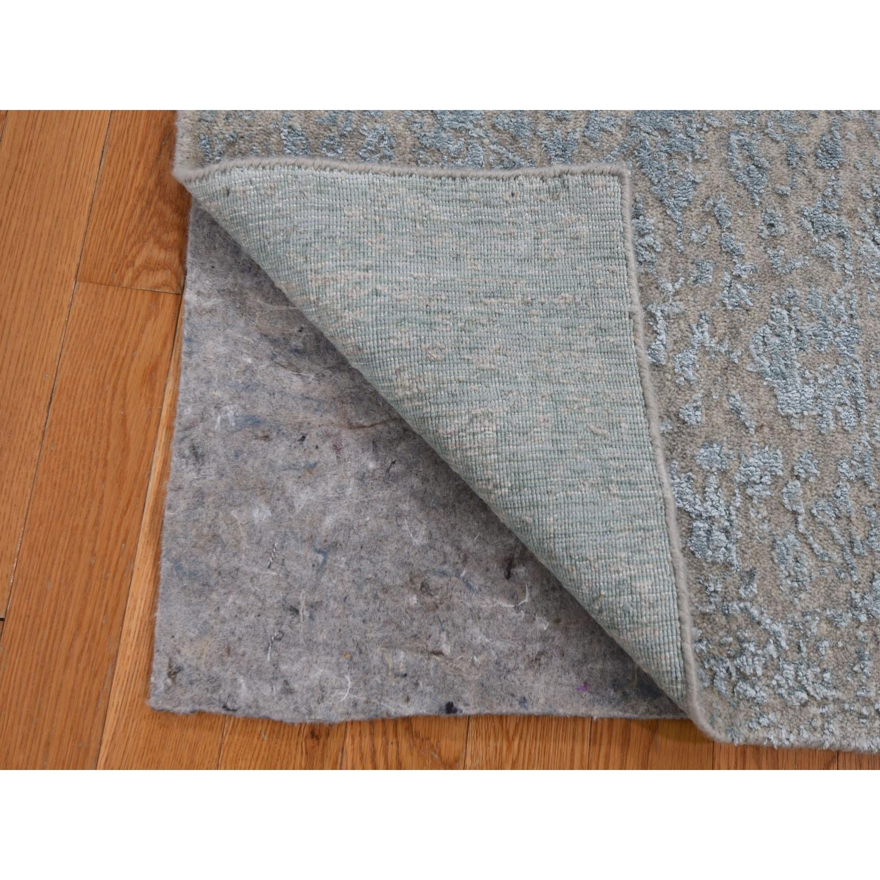 "2'x3'1"" Gray Jacquard Hand Loomed Wool And Art Silk Cypress Tree Design Oriental Rug"