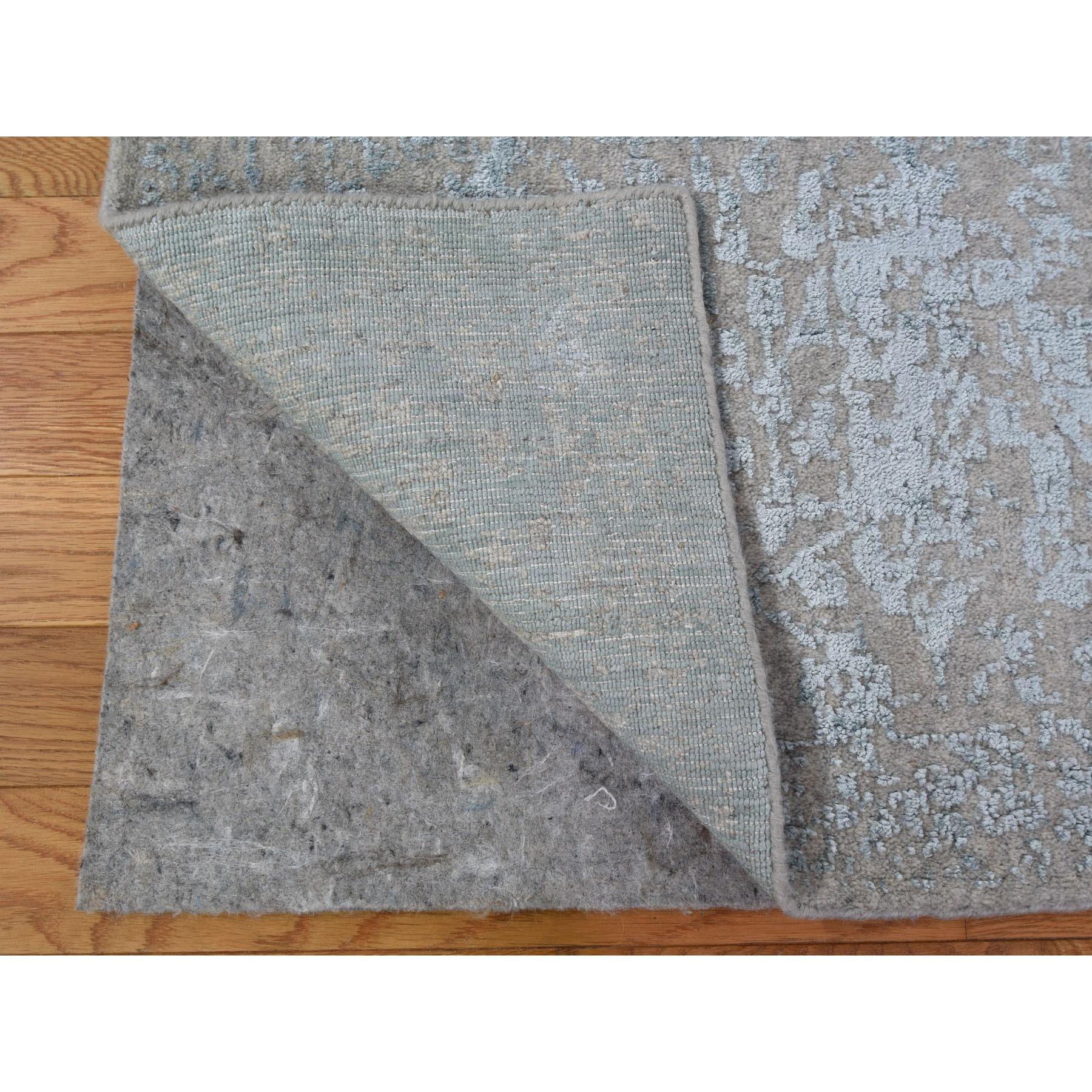 "2'6""x8' Gray Jacquard Hand Loomed Wool And Art Silk Heriz Design Runner Oriental Rug"