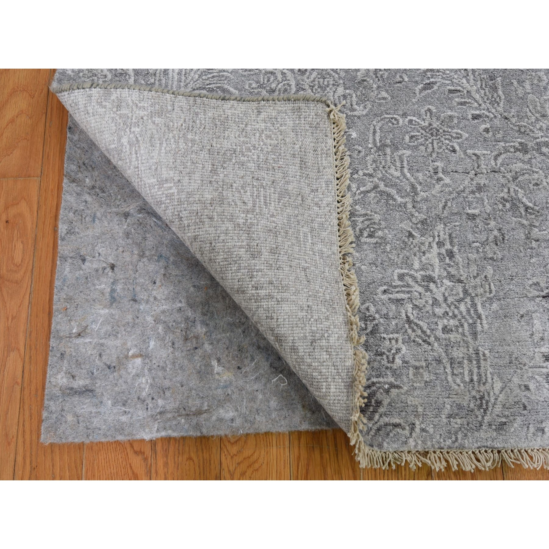 """2'7""""x7'8"""" Hand Knotted Damask Tone On Tone Wool and Silk Hi-Lo Pile Runner Oriental Rug"""