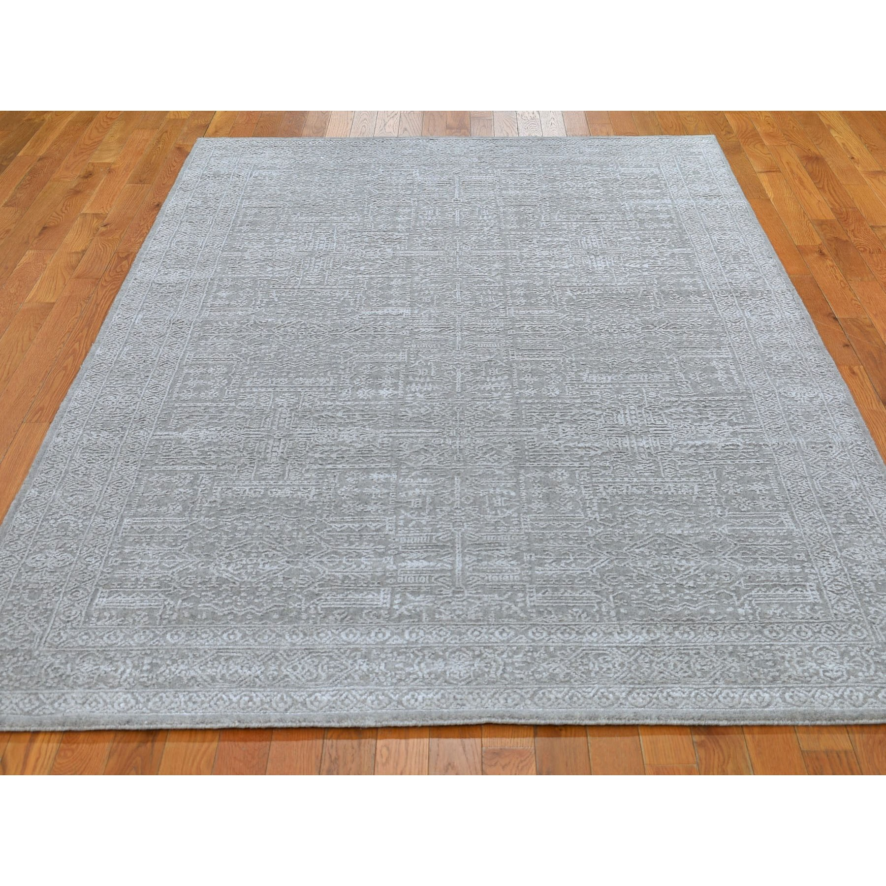 5-9 x9- Gray Fine jacquard Hand Loomed Modern Wool And Art Silk Oriental Rug