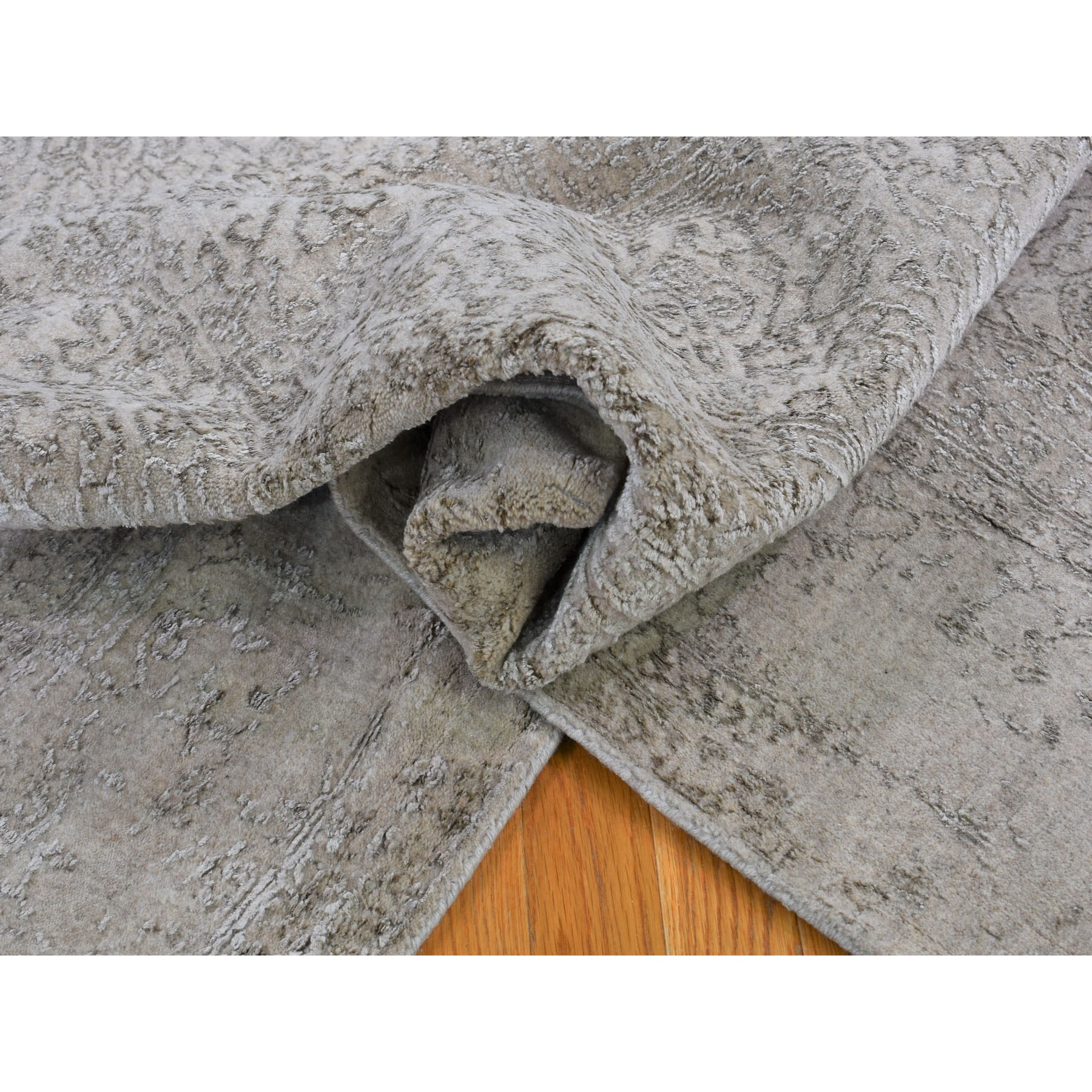 8-9 x12-1  Taupe Fine Jacquard Hand Loomed Modern Wool And Art Silk Oriental Rug