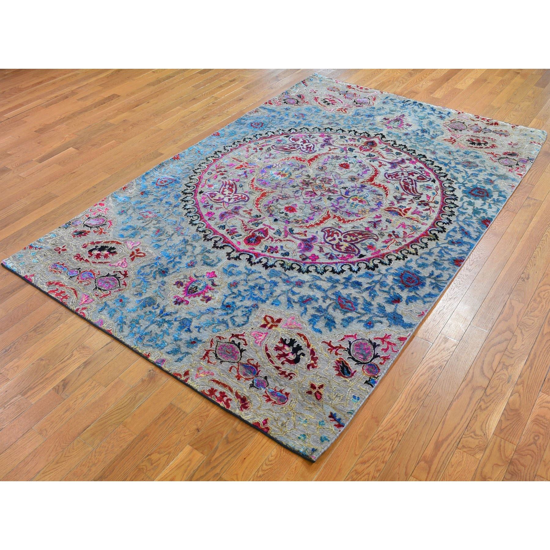 6-x9- Sari Silk and Textured Wool Colorful Maharaja Design Hand Knotted Oriental Rug