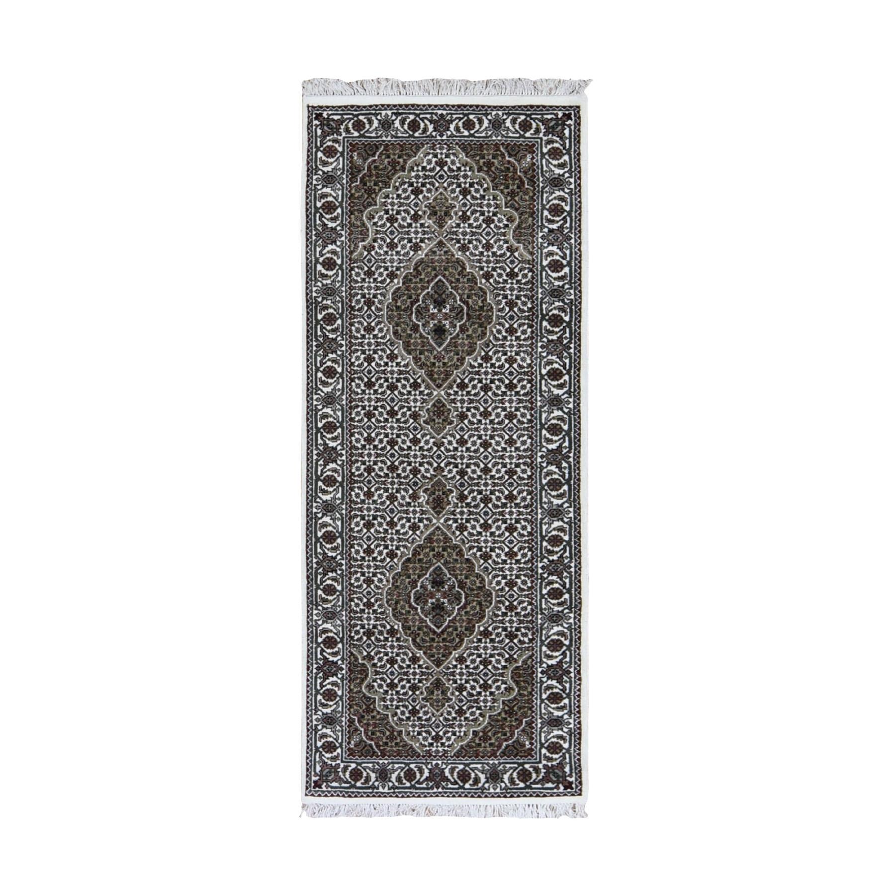"2'8""X6'8"" Ivory Runner Wool And Silk Tabriz Mahi Design Hand Knotted Oriental Rug moad9eba"
