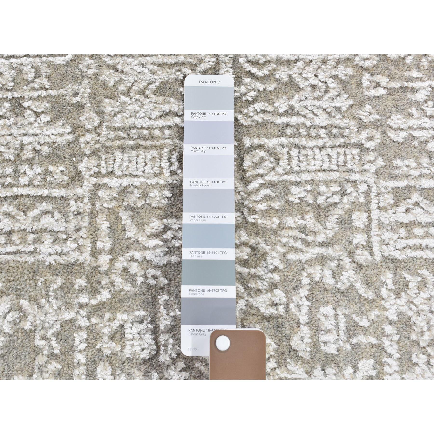 "2'5""x6' Gray Fine jacquard Hand Loomed Modern Wool And Art Silk Runner Oriental Rug"