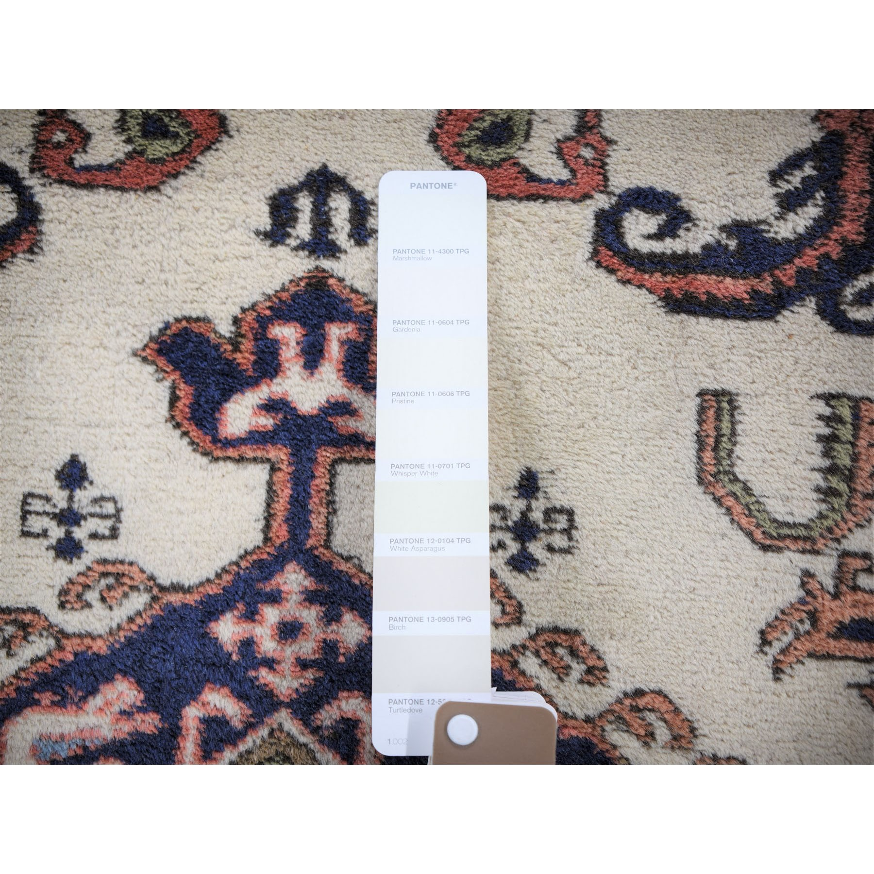 """2'4""""x3'2"""" Ivory Vintage Persian Ardabil With Medallion Design Pure Wool Hand Knotted Oriental Rug"""