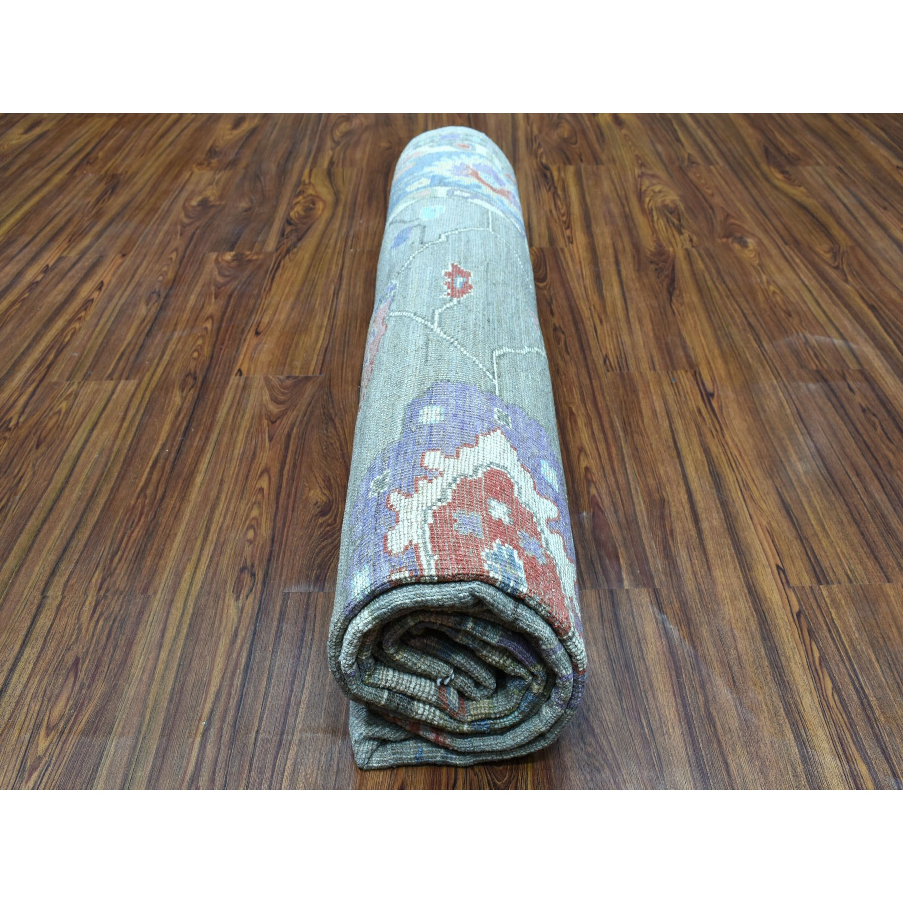 """7'10""""x9'10"""" Gray Angora Oushak Pure Wool Hand Knotted Oriental Rug"""