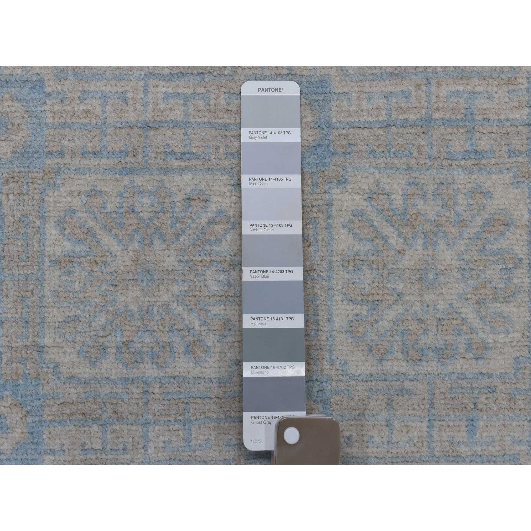 4-x5-9  Samarkand With Khotan Repetitive Rossets Design Hand Knotted Oriental Rug