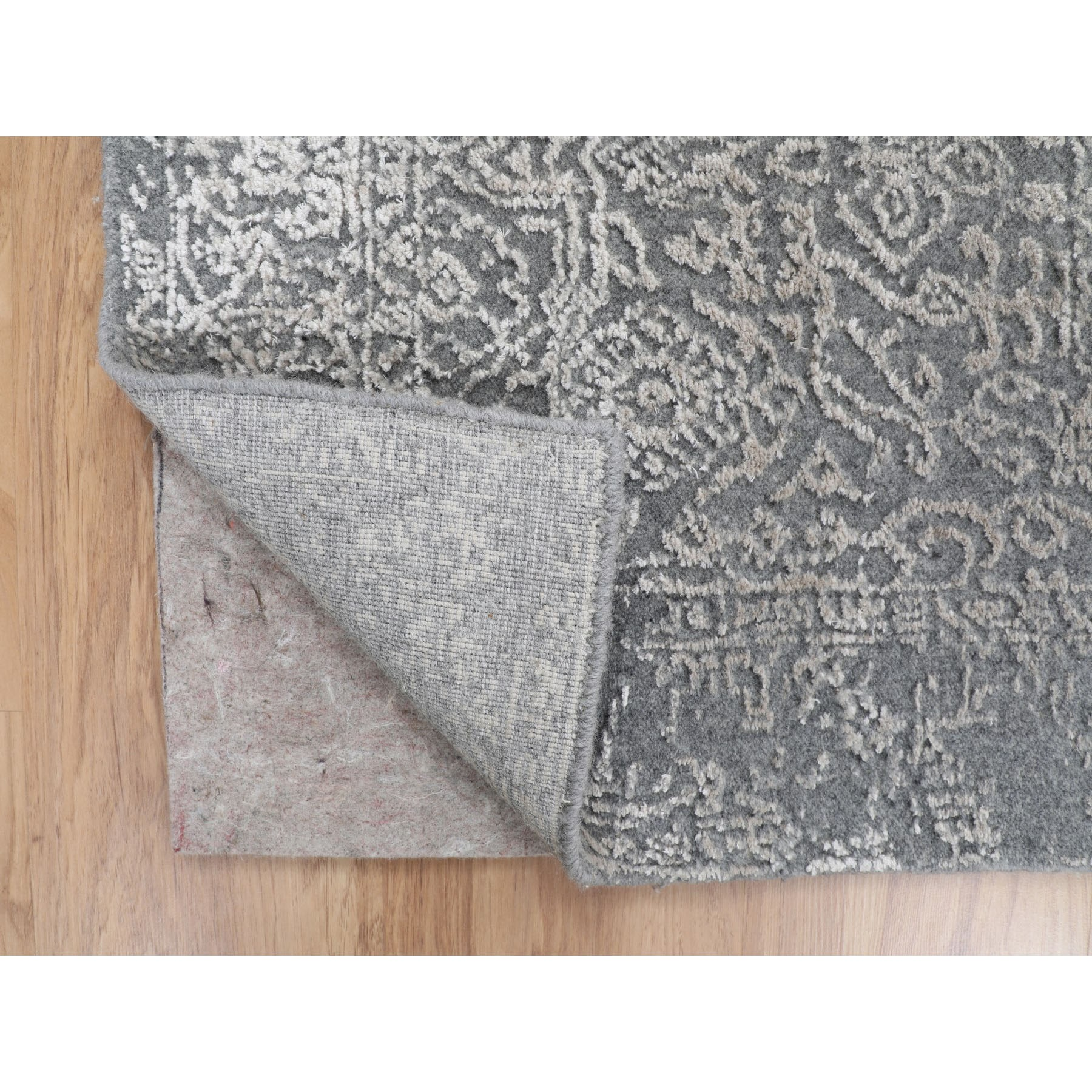 2-5 X10-1  Gray Fine jacquard Hand Loomed Modern Wool And Art Silk Runner Oriental Rug