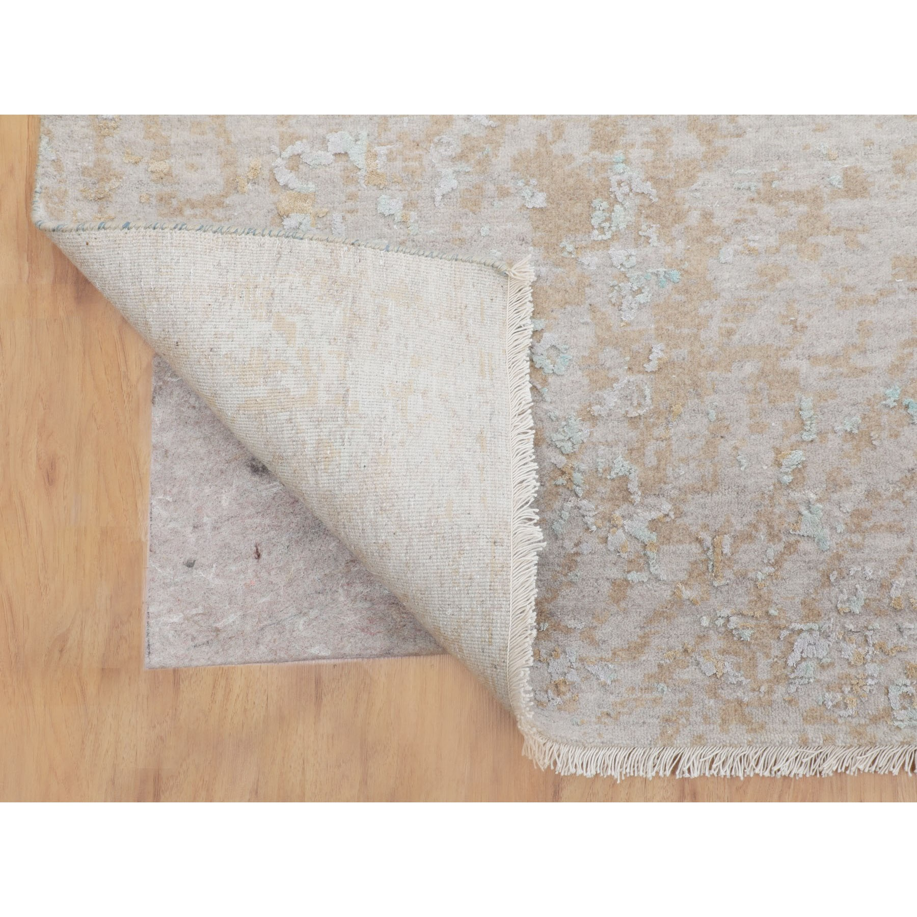 """10'2""""x14' Ivory Touch Of Green Pure Silk With Textured Wool Hand Knotted Oriental Rug"""