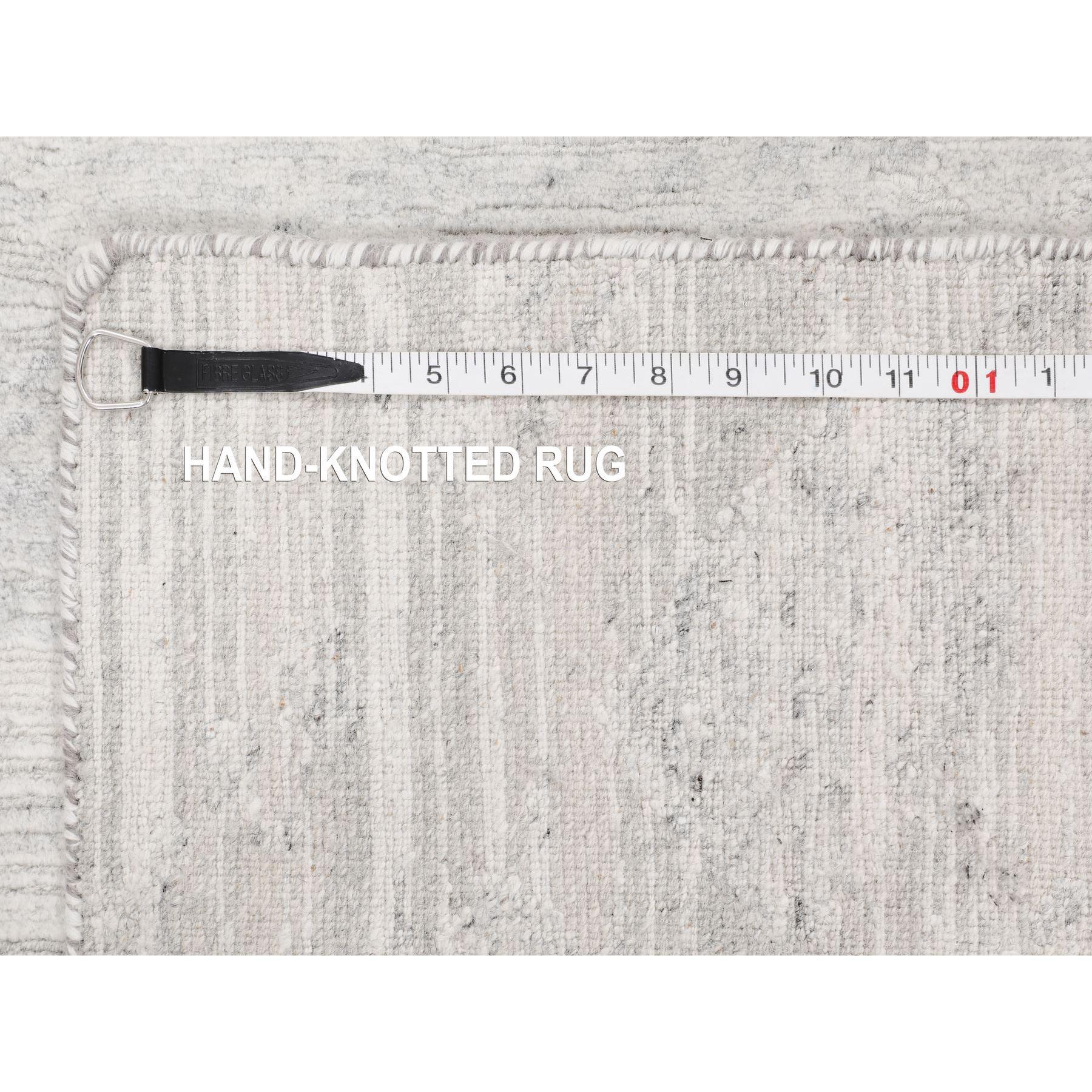 "2'7""x6' Ivory Hand Spun Undyed Natural Wool Modern Runner Hand Knotted Oriental Rug"