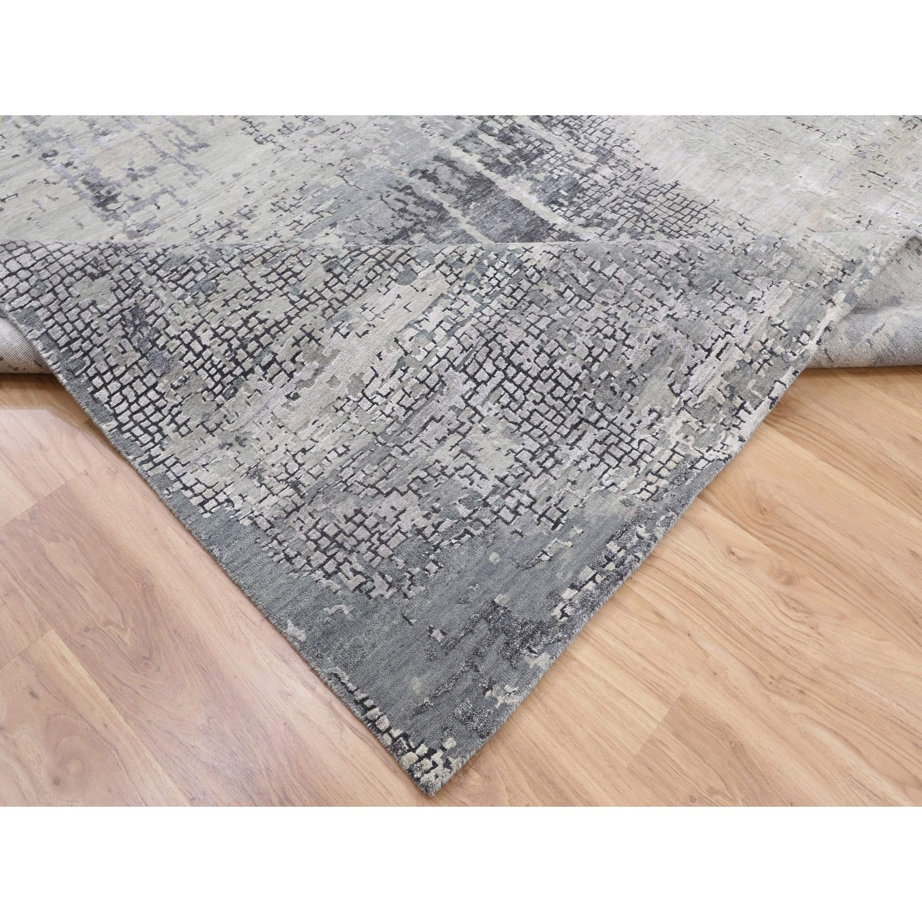 8-x10-2  Abstract Wool And Silk With Mosaic Design Hand Knotted Oriental Rug