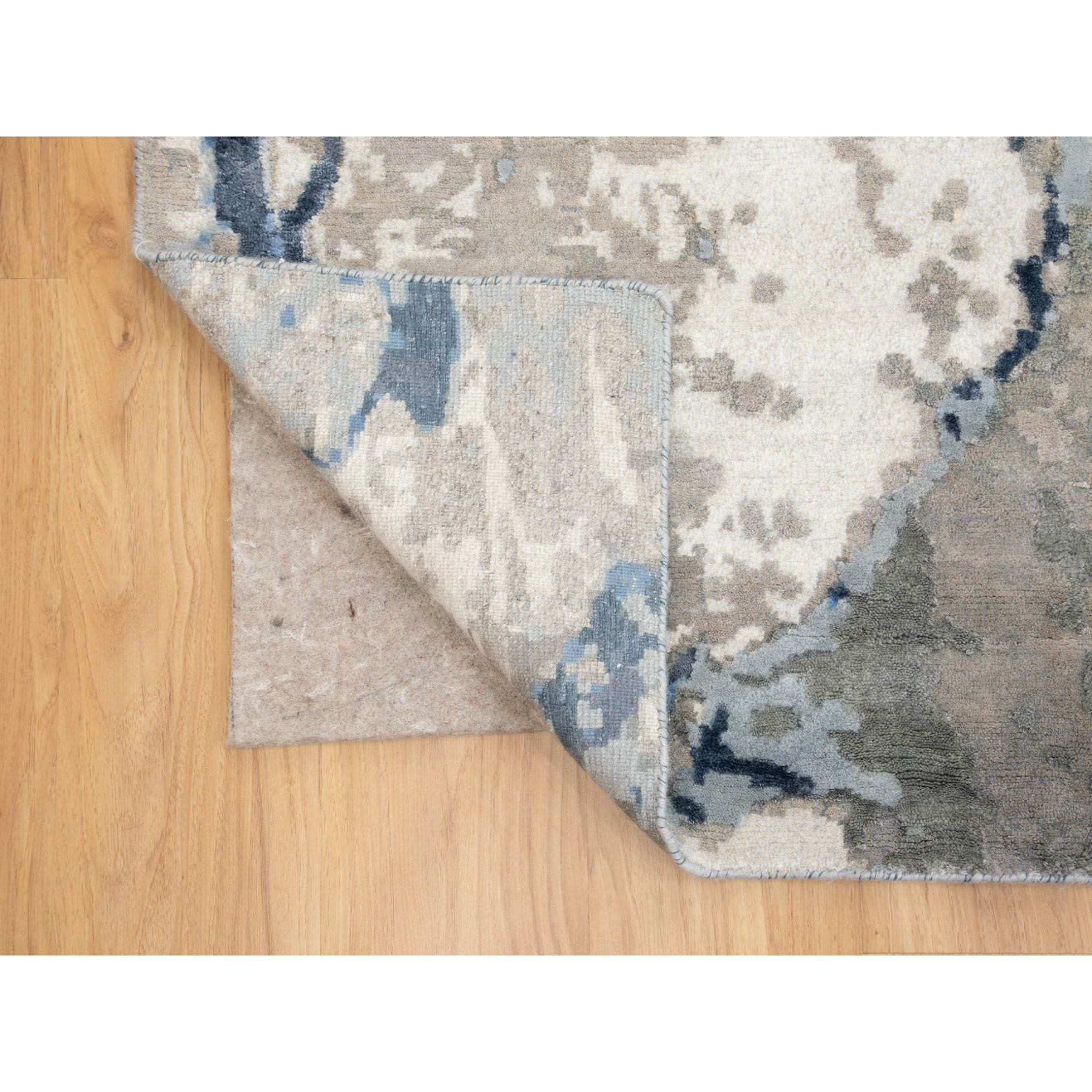 "9'1""x11'10"" Abstract Design Wool and Silk Hi-low Pile Hand Knotted Oriental Rug"