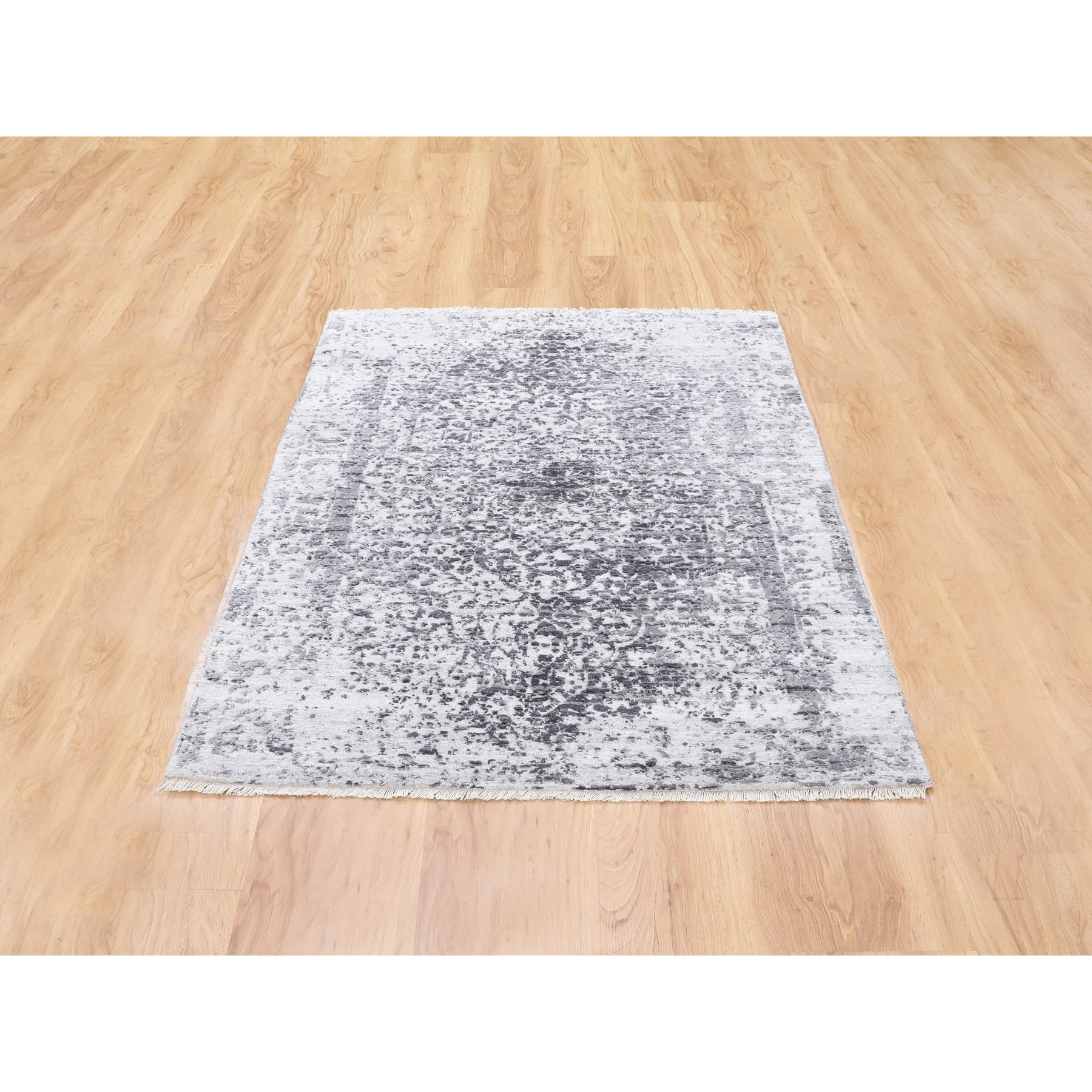 """3'x5'1"""" Broken Persian Design Wool and Pure Silk Hand Knotted Oriental Rug"""