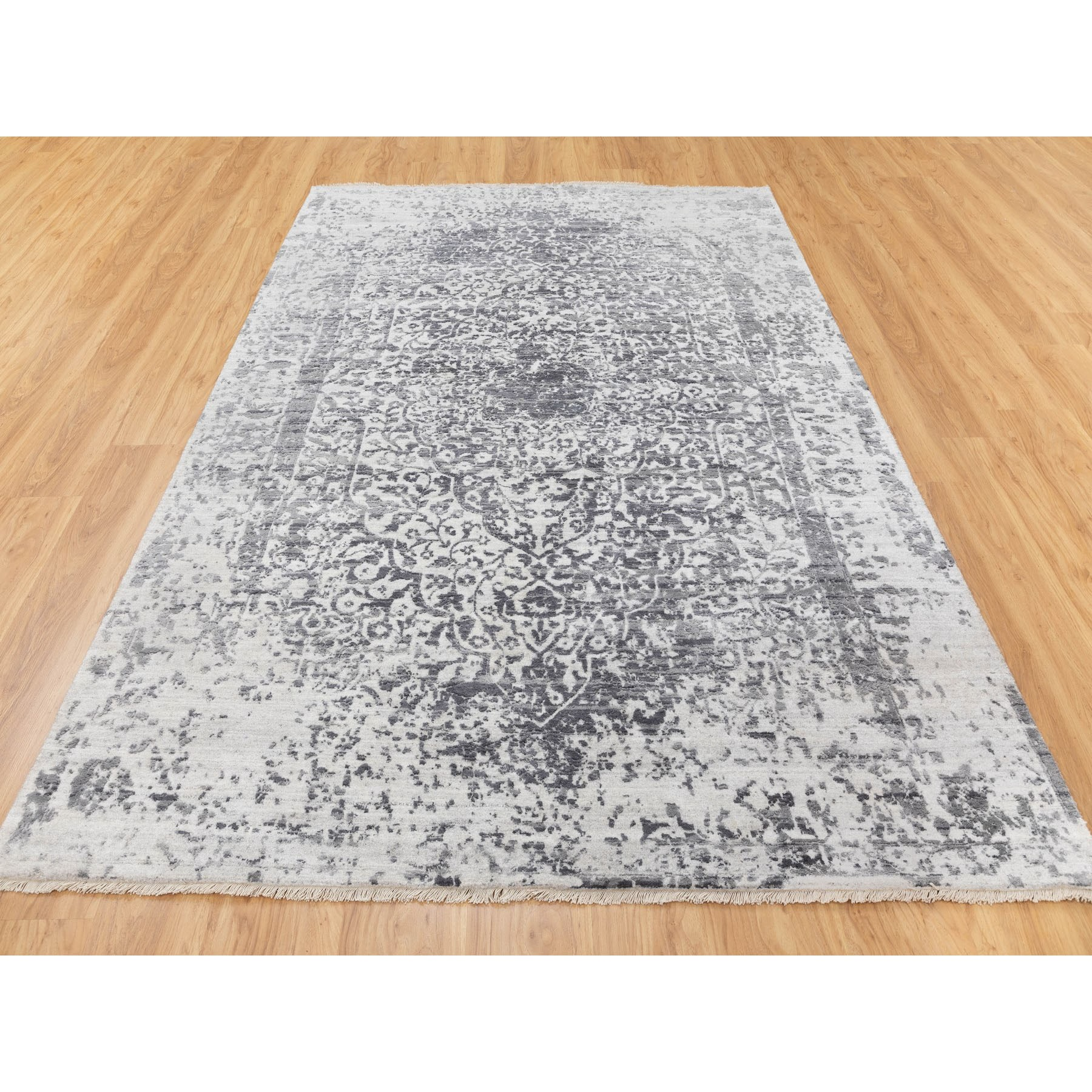 """6'x9'2"""" Wool And Silk Hand Knotted Broken Persian Design Hand Knotted Oriental Rug"""