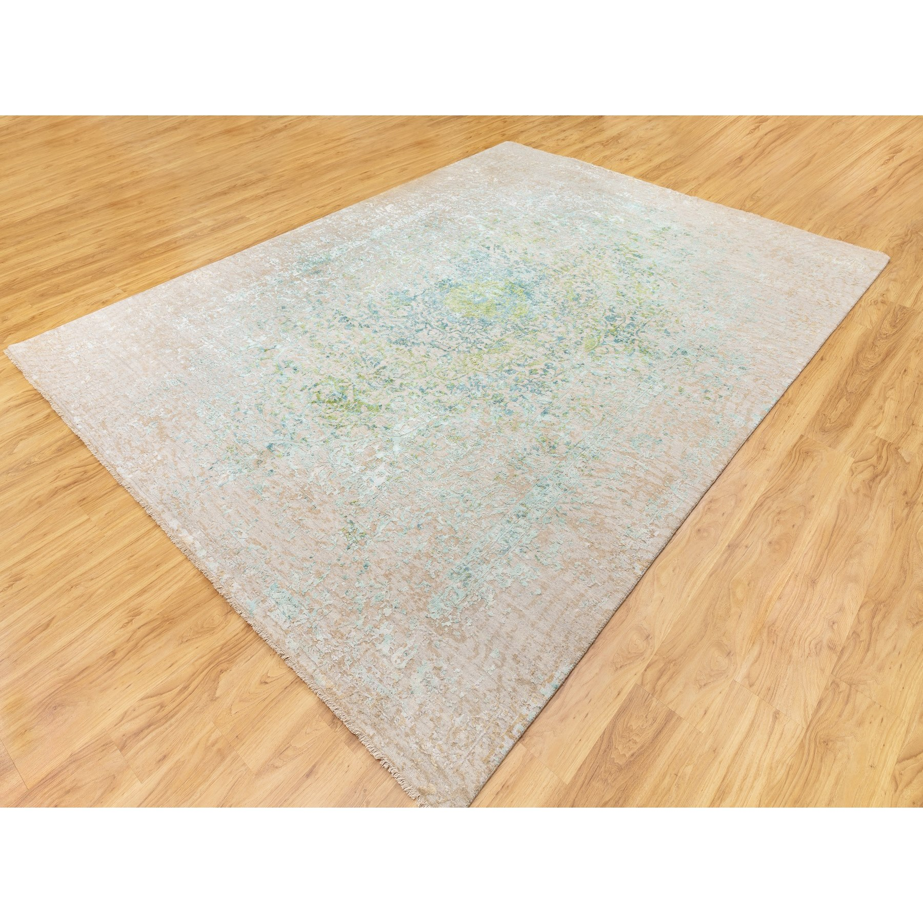 9'x12' Ivory Touch Of Green Pure Silk With Textured Wool Hand Knotted Oriental Rug