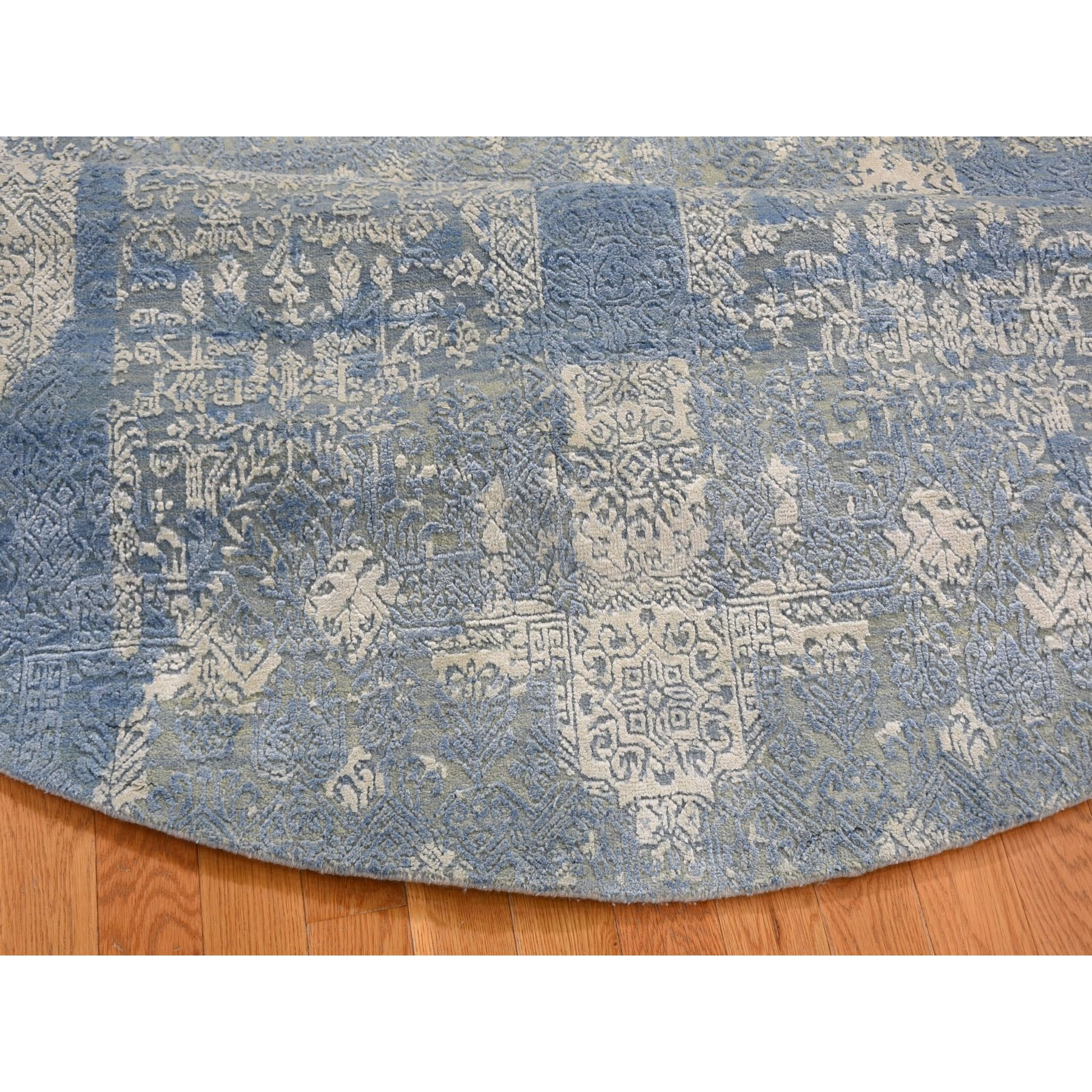 """8'1""""x8'1"""" Round Blue Wool And Pure Silk Jewellery Design Hand Knotted Oriental Rug"""