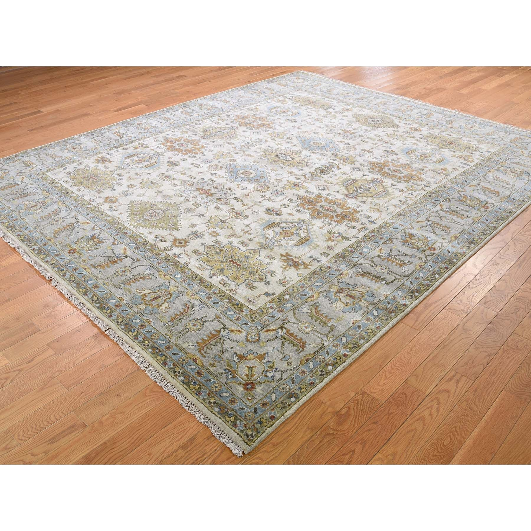 "8'1""x10' Ivory Karajeh Design Pure Wool Hand Knotted Oriental Rug"