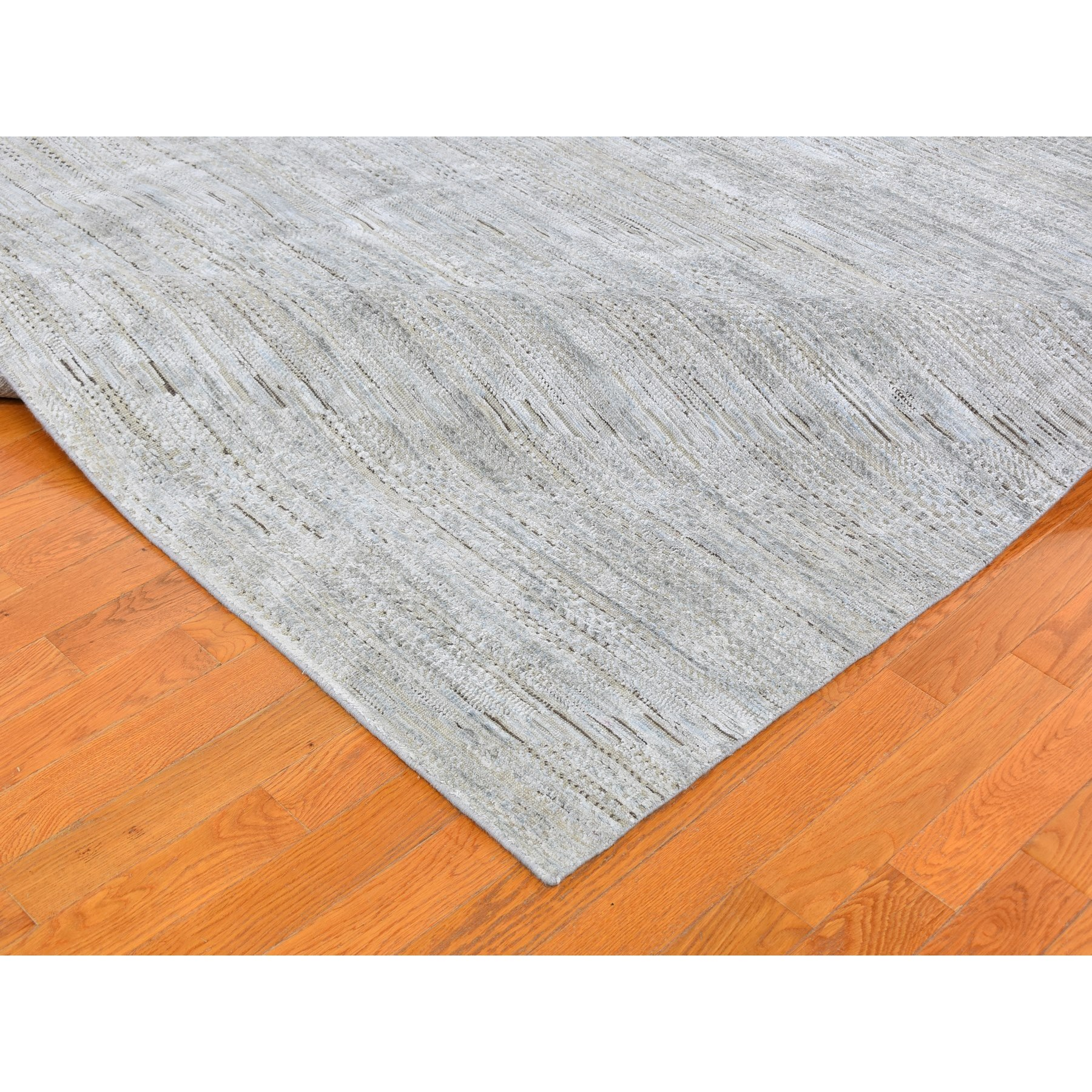 """9'9""""x14'1"""" Ivory Silk with Textured Wool Tone on Tone Serrated Hand Knotted Oriental Rug"""