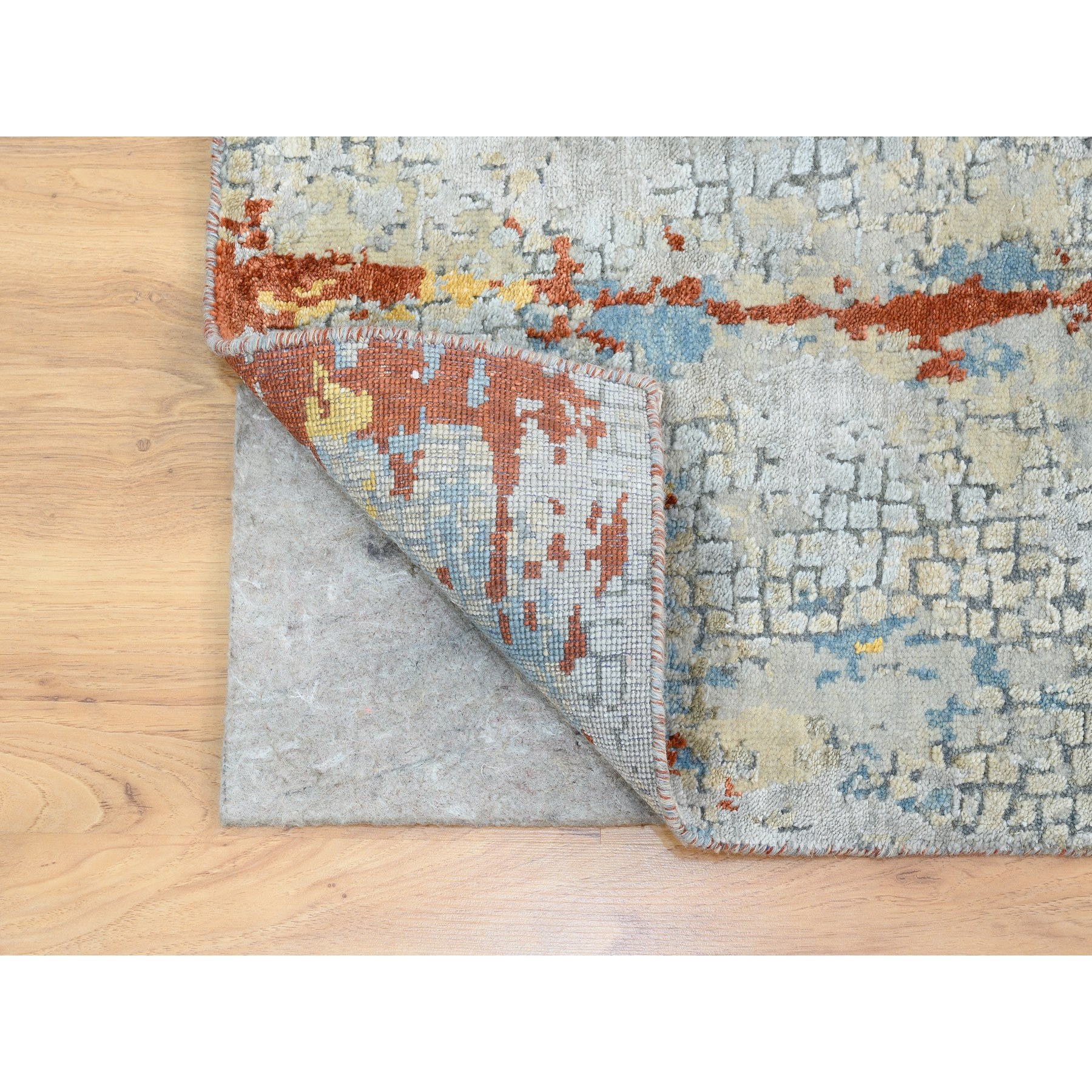 """2'6""""x5'10"""" Wool and Silk Abstract with Fire Mosaic Design Hand Knotted Runner Oriental Rug"""