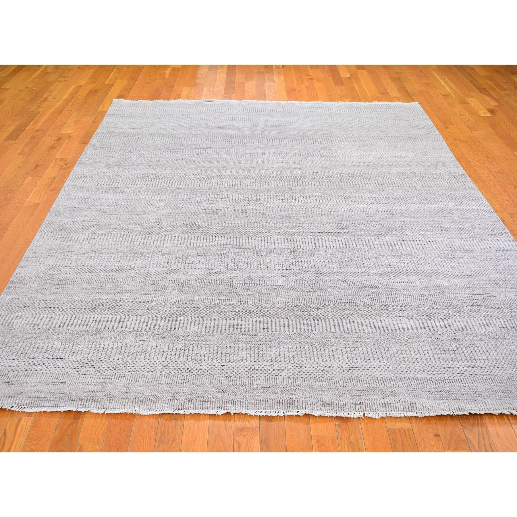"""7'8""""x10'3"""" Silver Grass Design Wool and Silk Hand Knotted Oriental Rug"""
